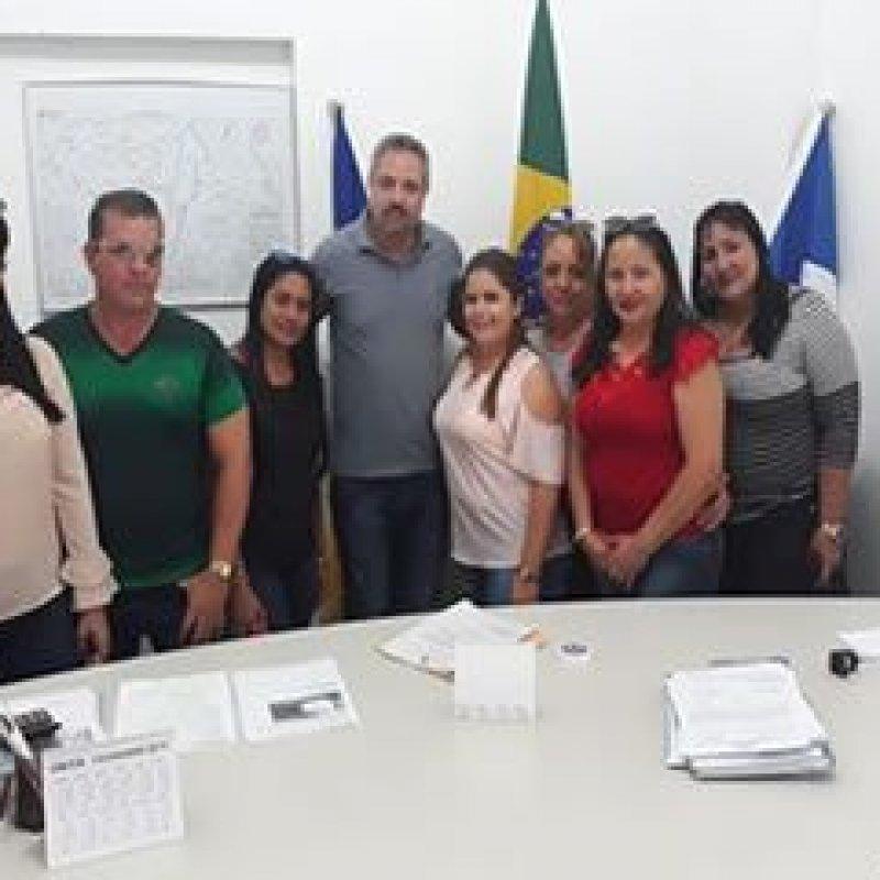 Ouro Preto: médicos cubanos fazem visita de despedida no gabinete da prefeitura