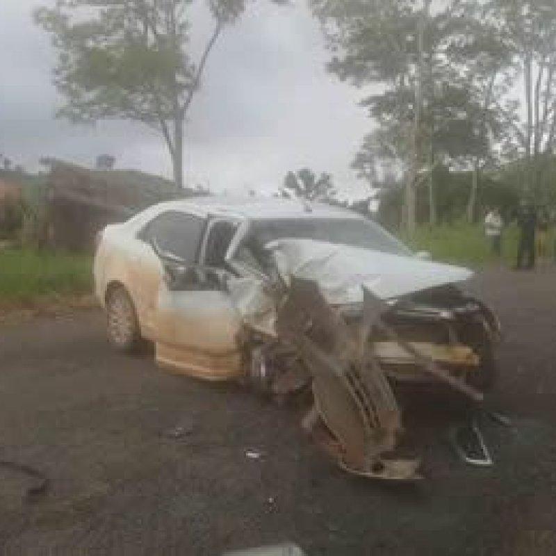 Mulher morre de acidente de trânsito quando era socorrida ao hospital após levar um coice de vaca