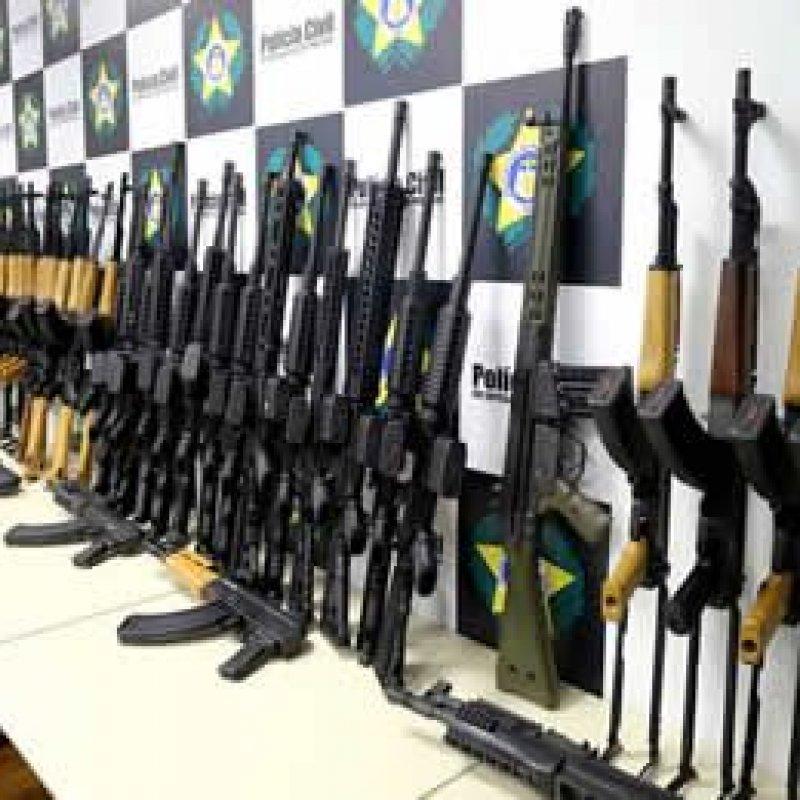 Sancionada lei que torna crime hediondo o porte ilegal de armas de uso restrito