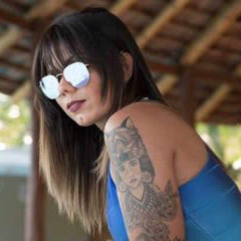 A personal trainer Rafaela Mendes esbanja sua beleza em ensaio do Charme