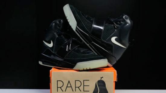 """b333227e0b 2 - Nike Air Yeezy 1 """"BLACK GLOW"""" (não comercializado)  R  202"""