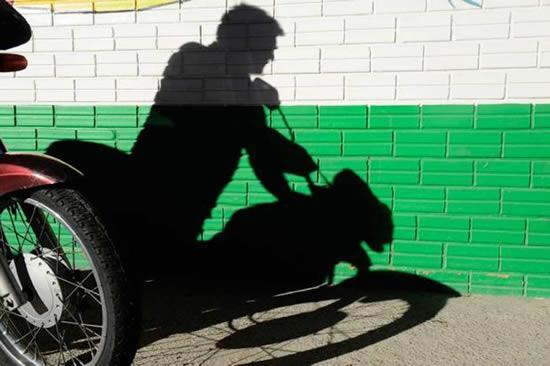 Moto é furtada em Alto Jequitibá