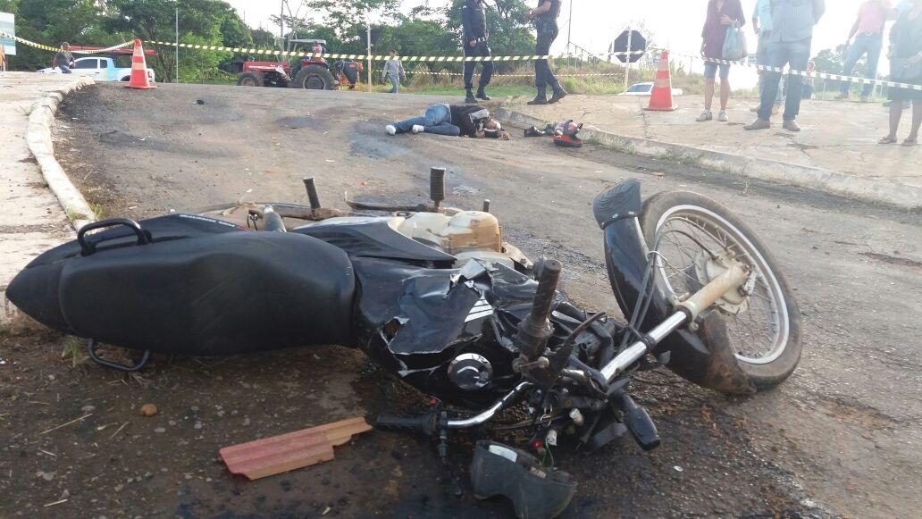 34201ce172 Ouro Preto: motociclista morre ao colidir com caminhão no trevo da BR 364  com R0 470