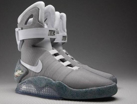 d4cdcd7720 Você pagaria mais de R  30 mil em um par de tênis que pode nem mesmo ser do  seu tamanho  Tem gente que sim. Está vendo o Nike Air Mag aí em ...